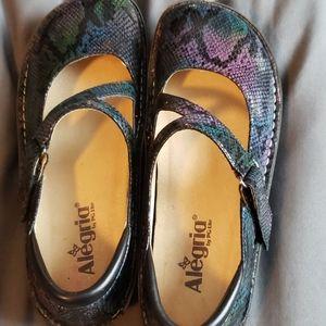 Algeria adjustable strap size 40 shoes